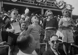 Children at the 1935 Air Races